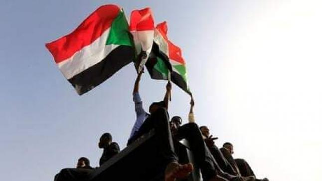 دعوة لمليونية تطالب بتفويض الجيش لإستلام السلطة